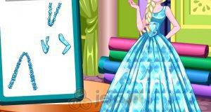 Elsa projektuje sukienkę