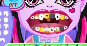 Mała Draculaura u dentysty