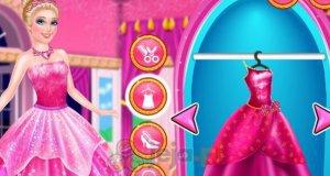 Barbie w dwóch wersjach