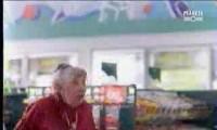 Babcia w sklepie