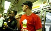 Rick Roll'd w metrze