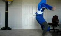 Świetny breakdancer