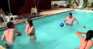 Biegunka w basenie