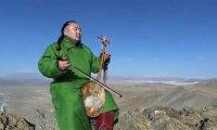 Piękne góry, gardłowy śpiew, nietypowy instrument - Mongolia