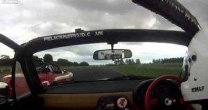 Kierowca wyścigowy, który nie lubi być wyprzedzany