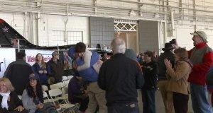 Pobił rekord świata w rzucie papierowym samolocikiem