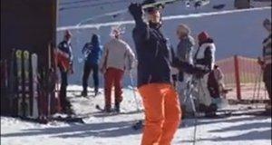 Sztuczka ze zdejmowaniem nart