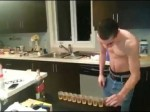 Dlaczego nie należy dużo pić - 10 shotów whisky na szybko