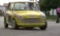 Zwrotny samochód