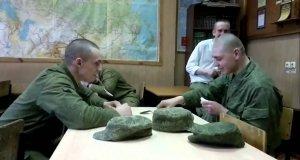 Zabawa w rosyjskich koszarach