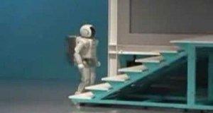 Robot na schodach