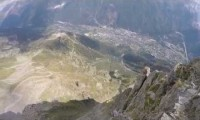 Ekstremalny skok w wingsuicie