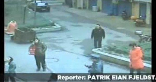 Facet wrzuca petardę do studzienki kanalizacyjnej i o mało nie traci głowy