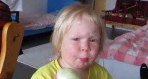 Dziewczynka, która lubi cebulę