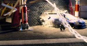 Zdalnie sterowane Subaru kontra patyczki
