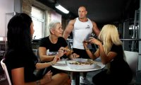 Hardkorowy Koks jest oburzony Pizzą na siłowni
