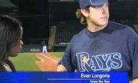 Baseballista ratuje reporterkę