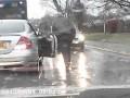 Pomocny Pan z Mercedesa