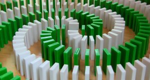 Szalone sztuczki z domino