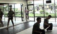 Muay Thai vs drewniany kij