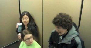 Ukryta kamera - krzyk w windzie