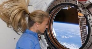 Spacer po stacji kosmicznej