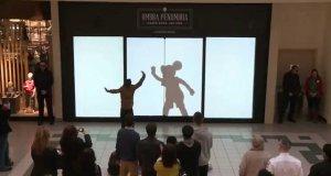 Bohaterowie Disneya zaskakują kupujących w centrum handlowym