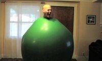 Zabawa wielkim balonem