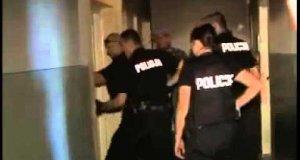 Policja wyciągnęła dziadka przez dziurkę do klucza