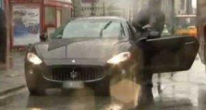 Nieoczekiwane uszkodzenie samochodu w programie na żywo