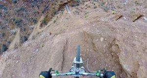 Backflip nad dwudziestometrową skarpą
