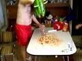 Człowiek arbuz przedawkował alkohol