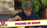 Ukryta kamera - telefon komórkowy w zupie