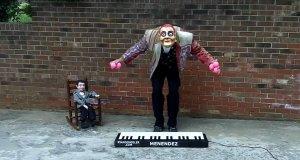 Żonglowanie przy pianinie