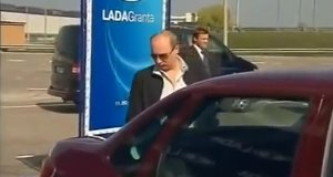 Putin testuje rosyjski samochód