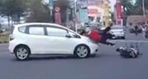 """""""Najlepsze"""" wypadki na skuterach"""