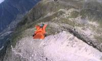 Górski lot w wingsuit