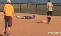 Wpadki i upadki dziewczyn 2012 | FailArmy