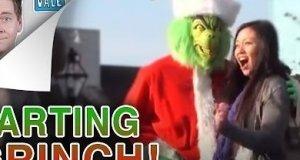 Zielonkawy Mikołaj puszcza bąki publicznie