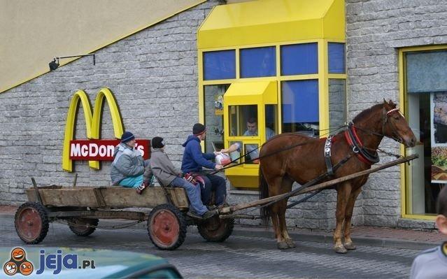 Koniem w McDrive