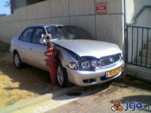 Parkowanie przy płocie