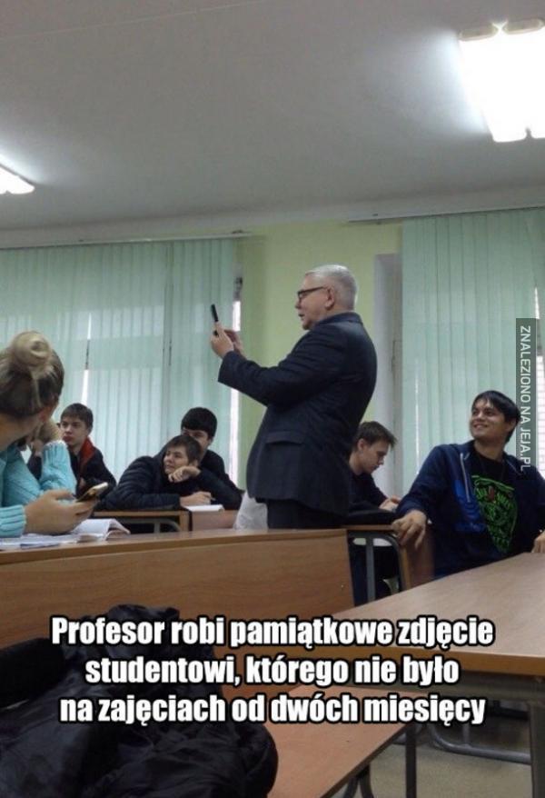 Ach ci profesorowie, myślą że są tacy zabawni...