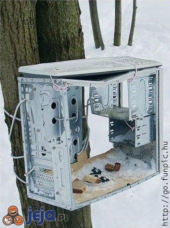 Komputer - karmnik