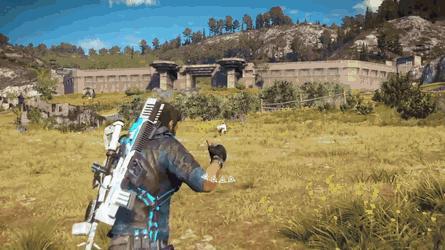 Rozpędzeni prosto w stronę słoń... kozy!