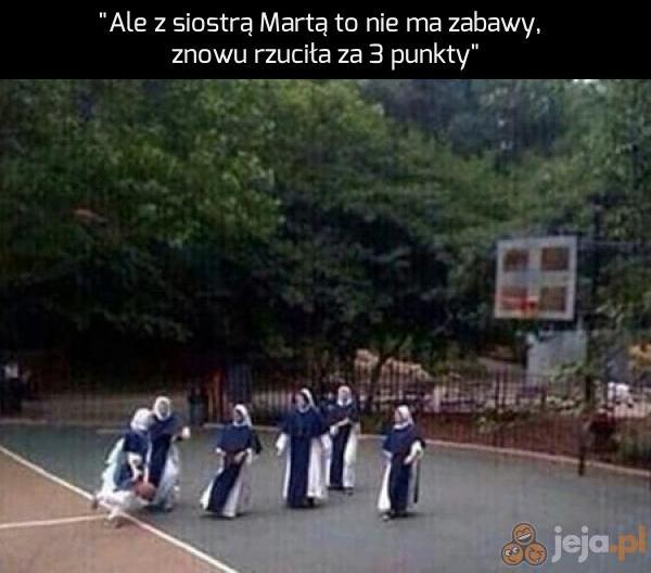 Siostra Marta - zawodowy koszykarz