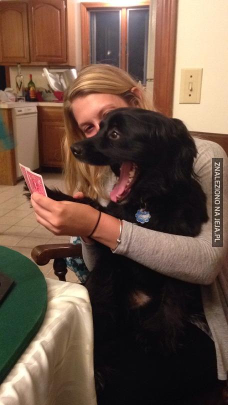 Okropna pokerowa twarz