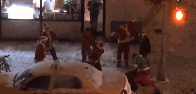 Mikołaju, ci ludzie się nade mną znęcają!