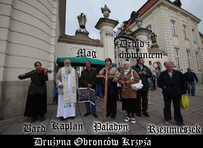[Obrazek: 4153_druzyna-obroncow-krzyza.jpg]