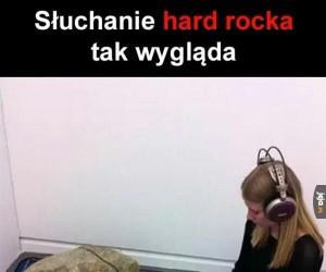 Słuchanie hard rocka