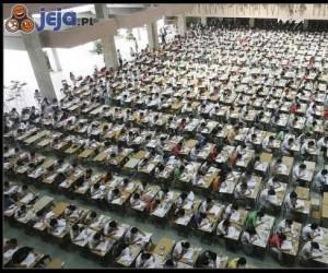 Studenci zdają egzamin